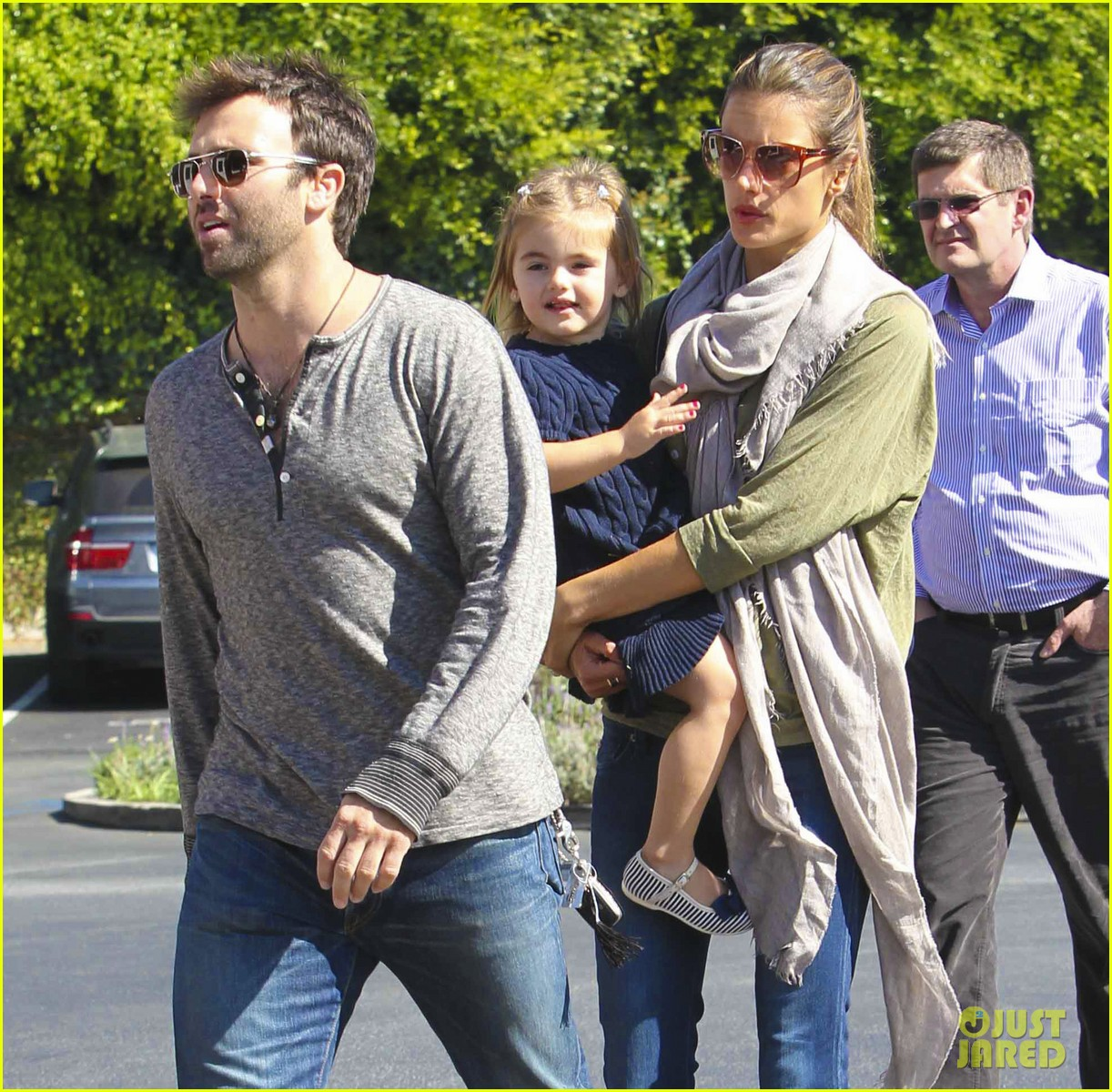 alessandra ambrosio brentwood family 022593165