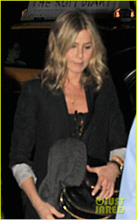 jennifer aniston justin theroux snl after party 01