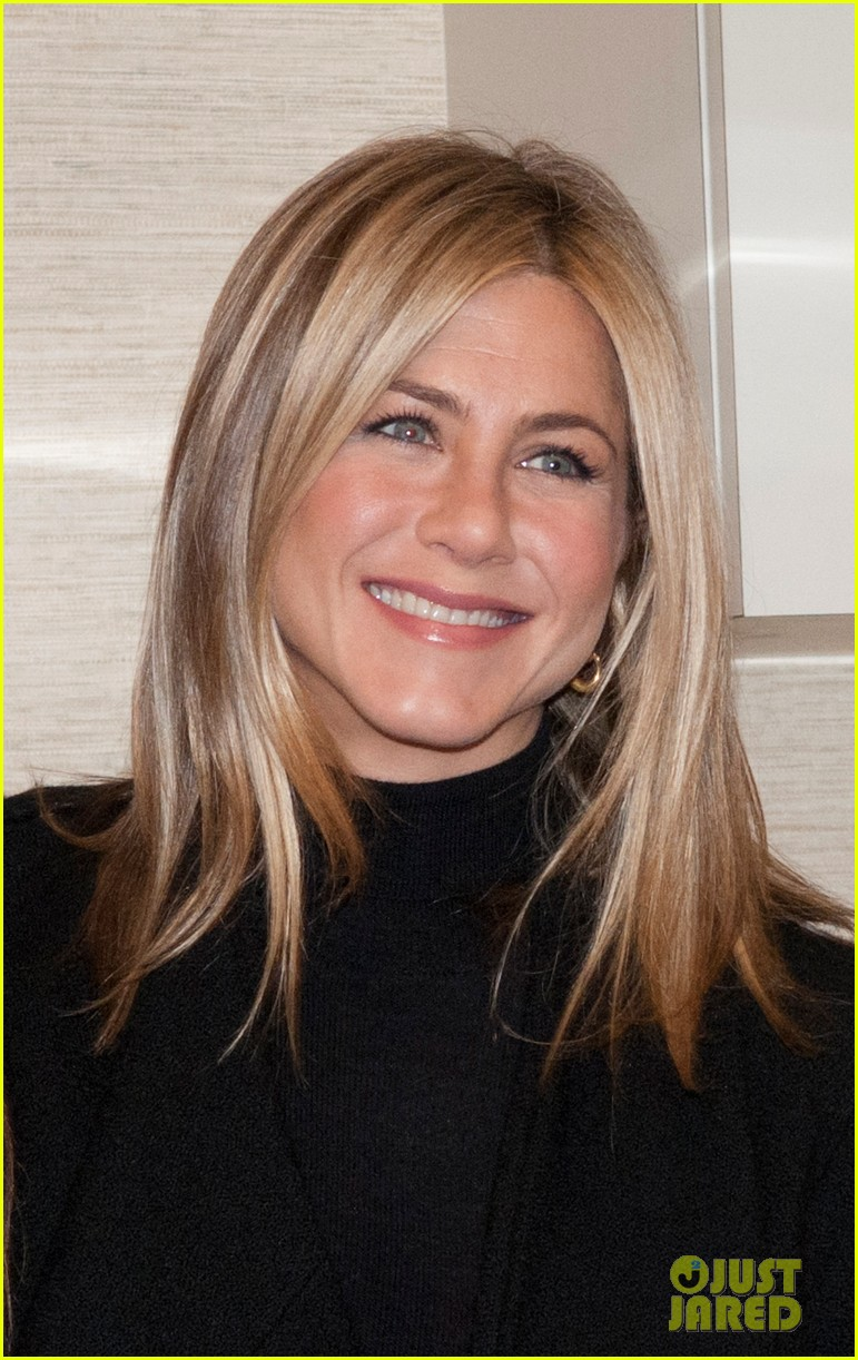 jennifer aniston hospital visit jill biden 01