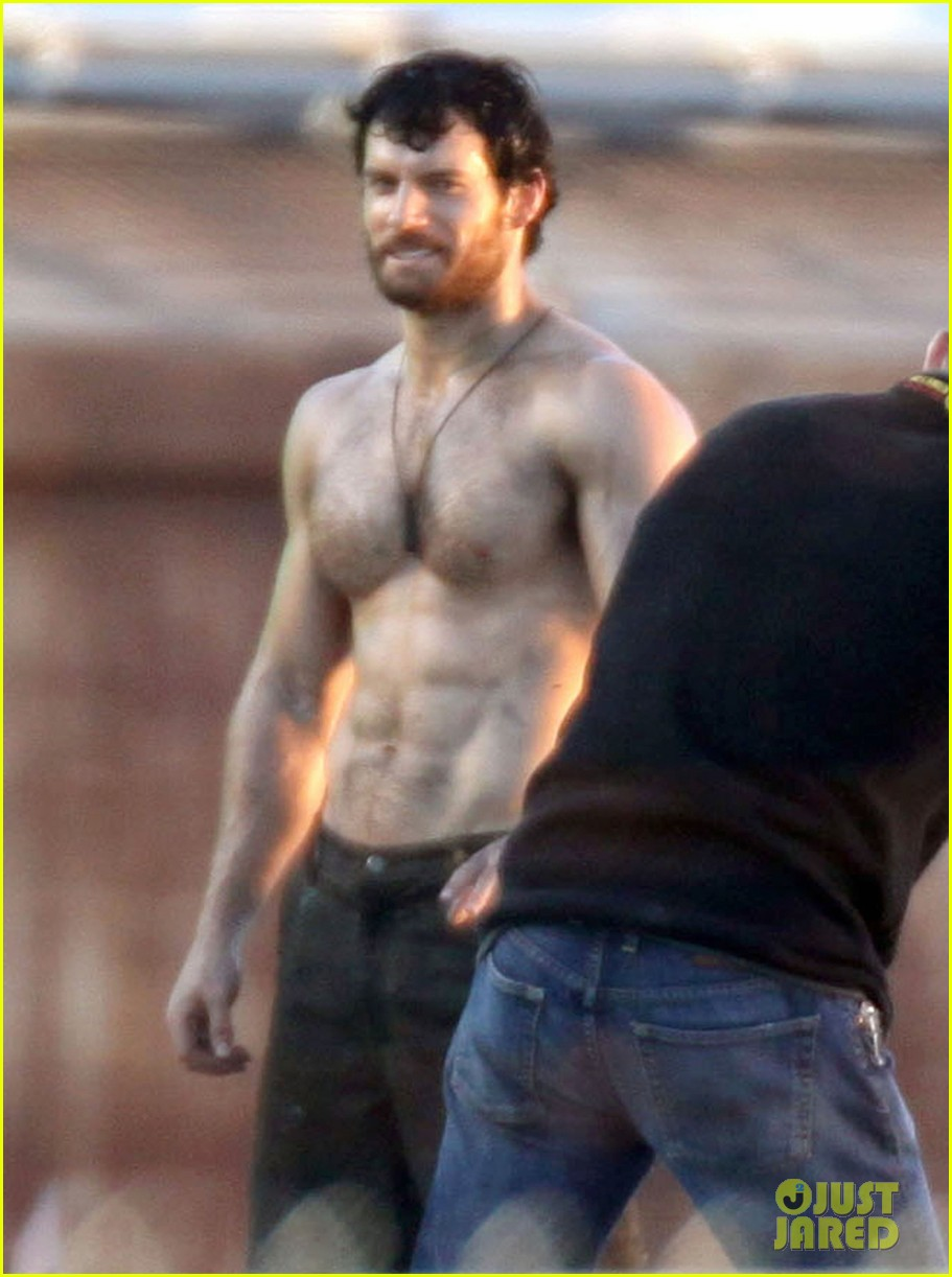 henry cavill shirtless greenscreen 02