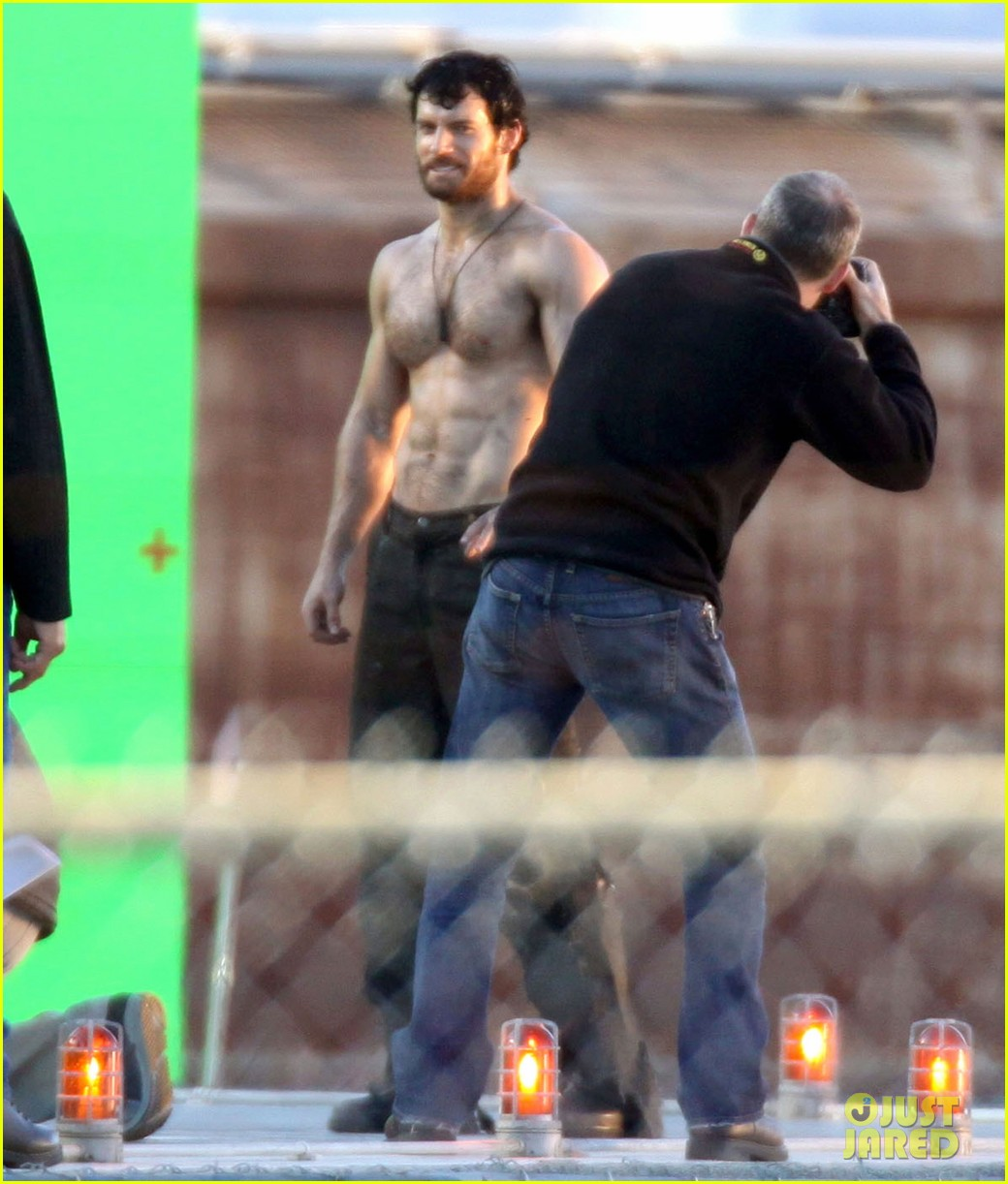 henry cavill shirtless greenscreen 09