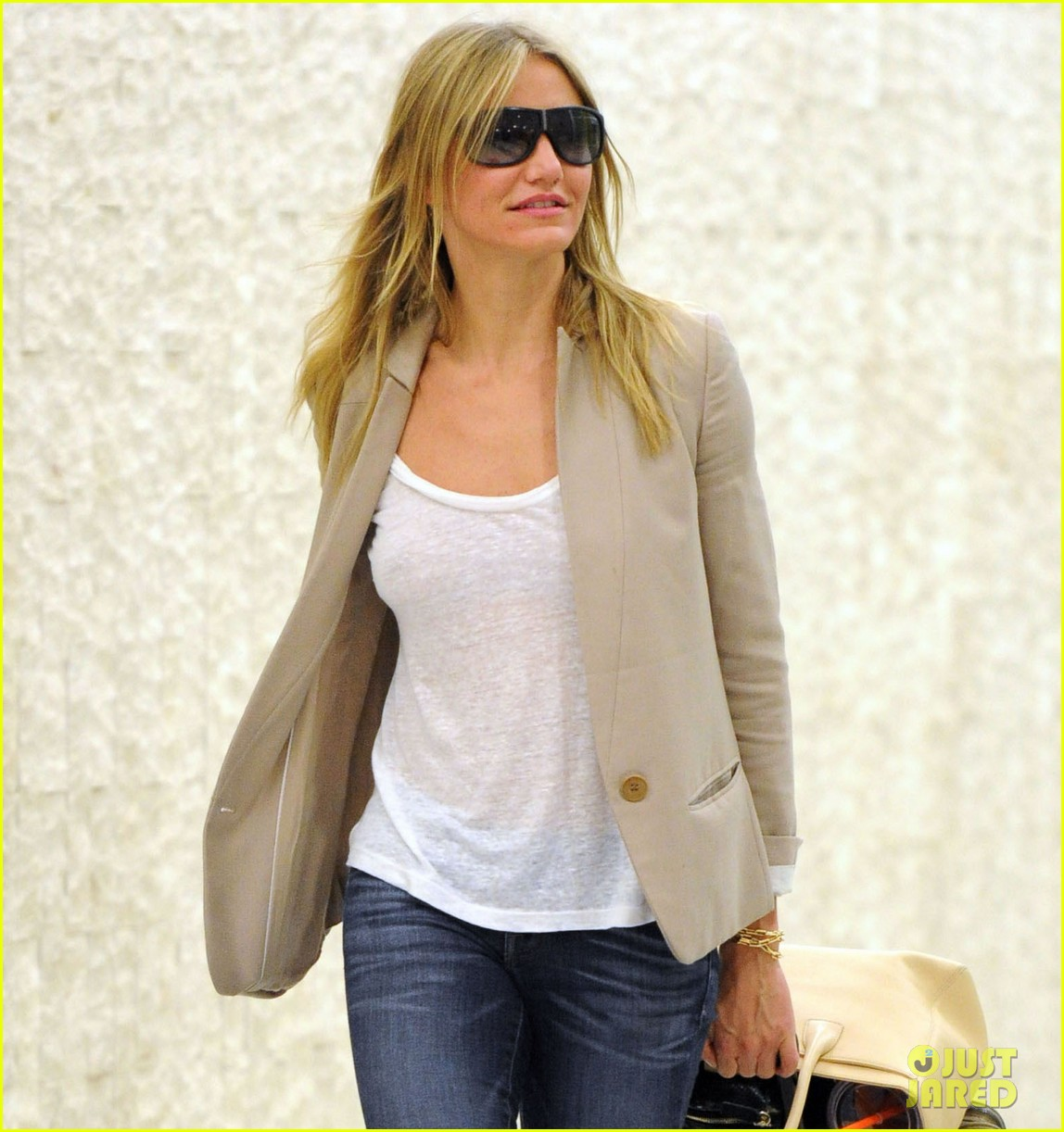 cameron diaz jfk landing 04