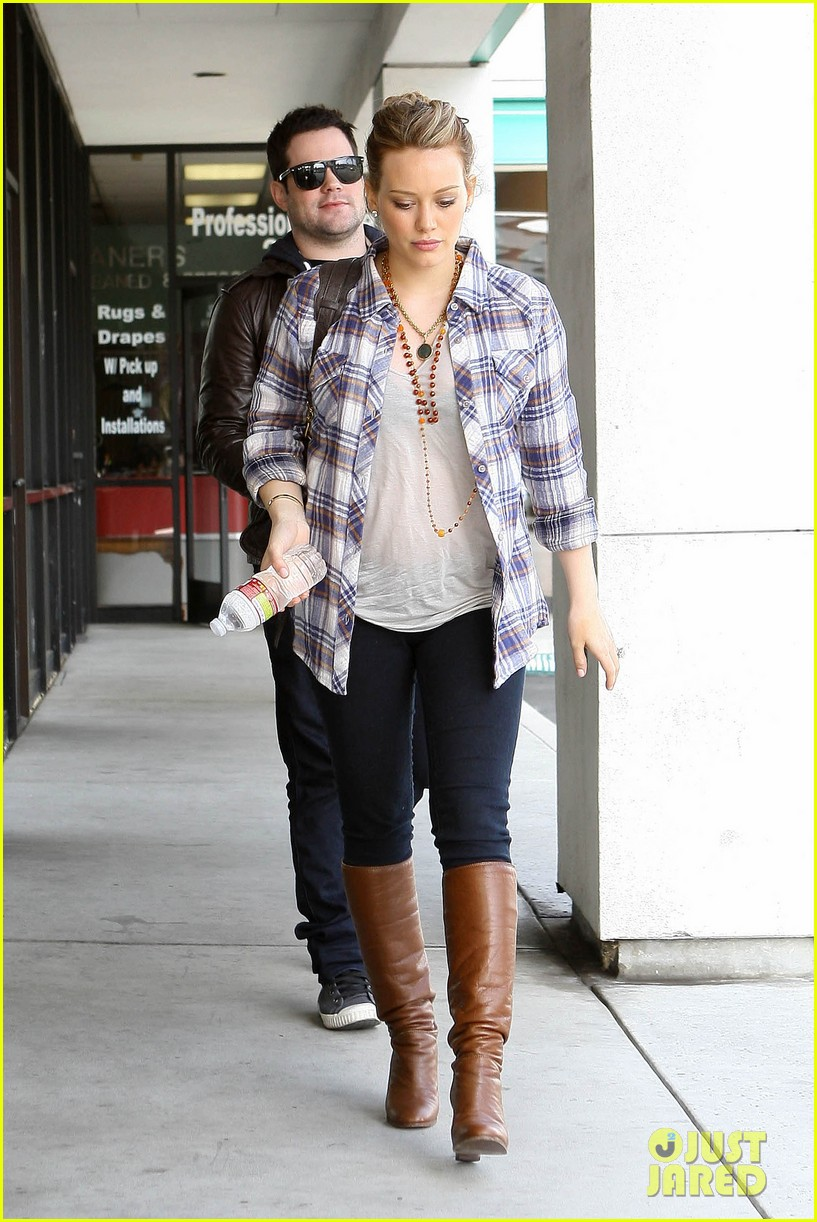 hilary duff mike comrie vetsurg 052593130