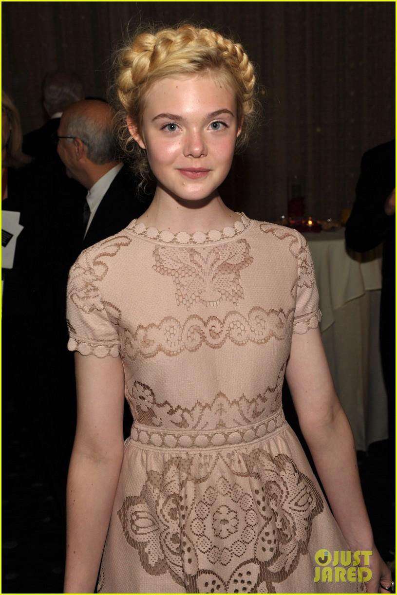 elle fanning hollywood film awards 2011 062593420