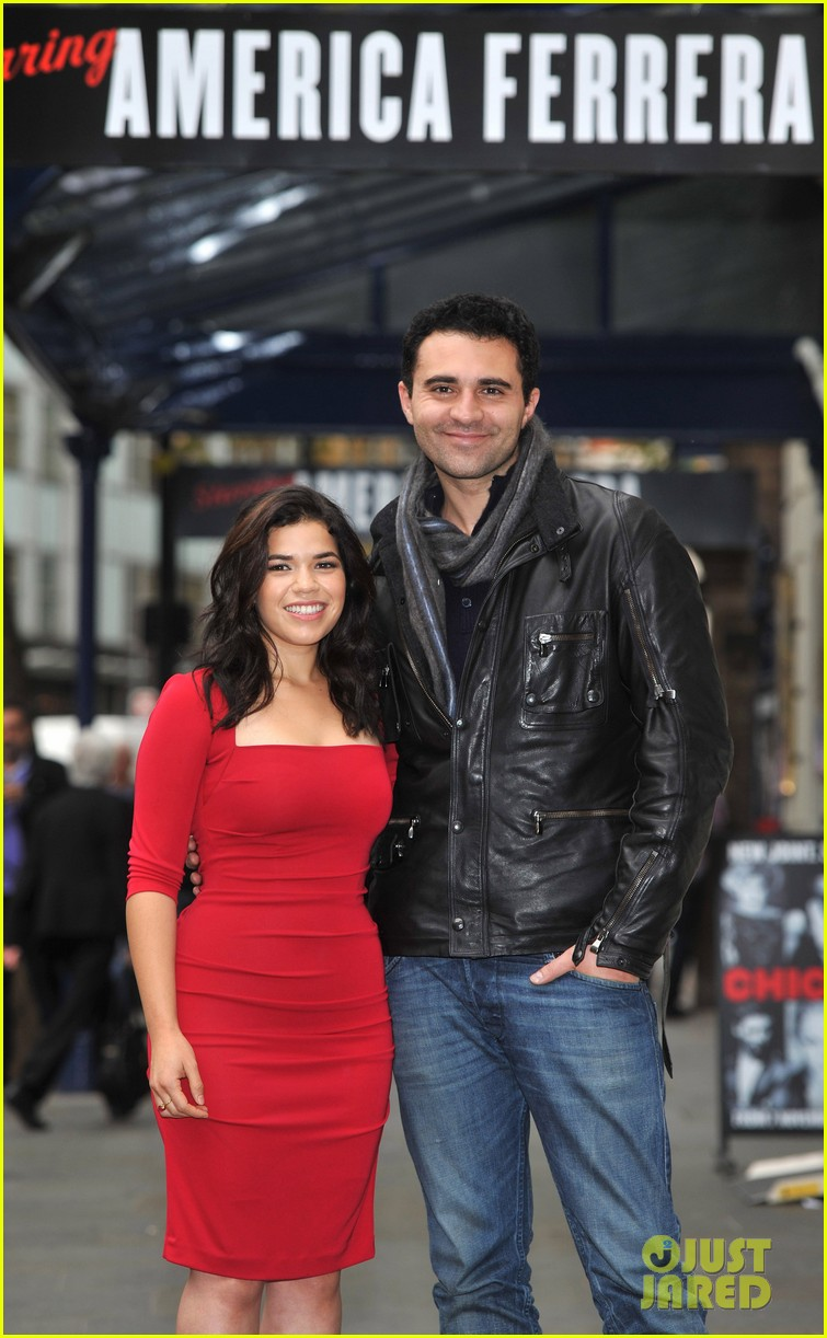 america ferrera chicago photo call 082595490