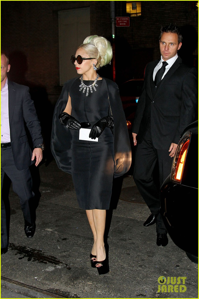 lady gaga benefit award 05