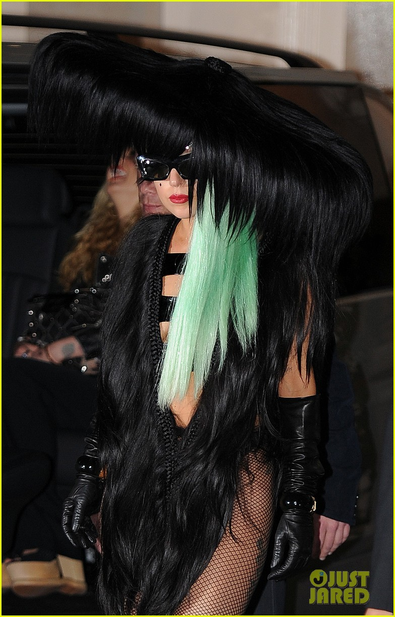 lady gaga hair outfit 042587587