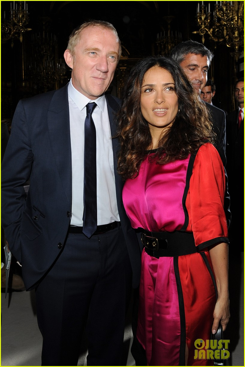 salma hayek francois henri pinault stella mccartney paris fashion week 06