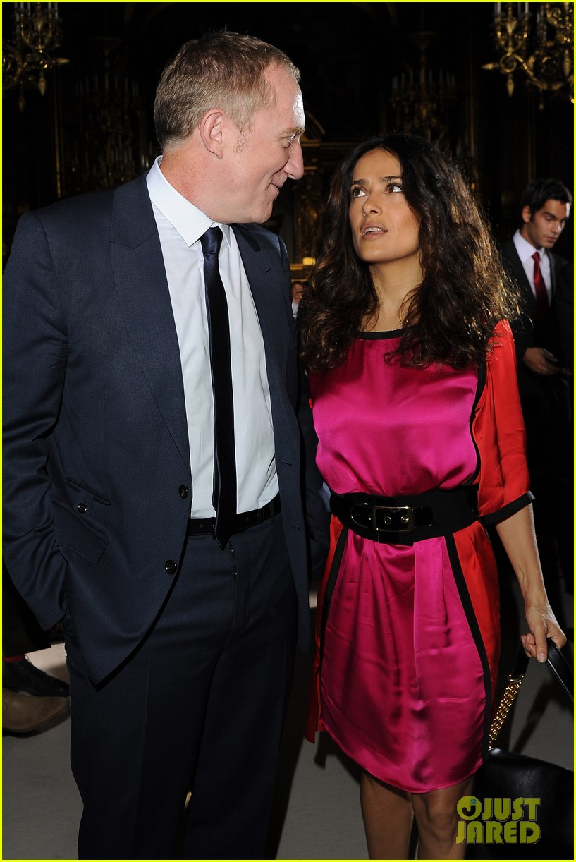 salma hayek francois henri pinault stella mccartney paris fashion week 09