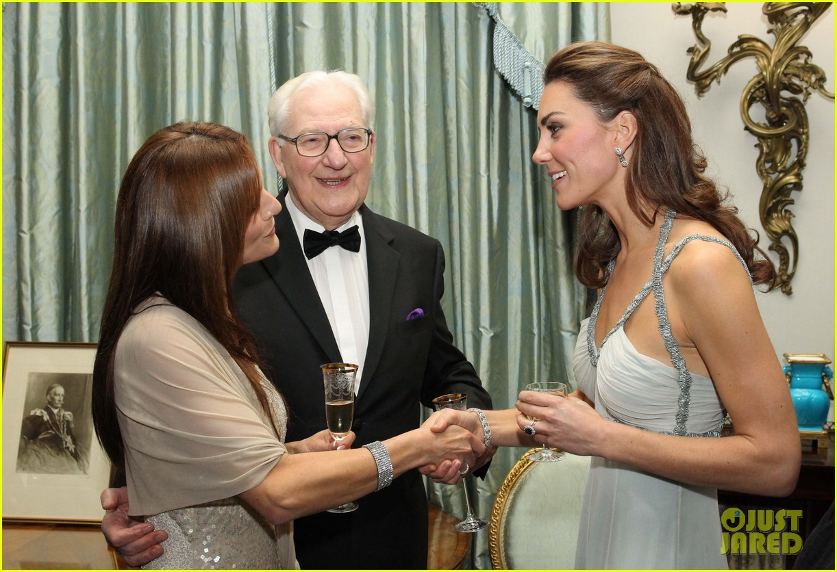 duchess kate in kind direct clarence house 032594157
