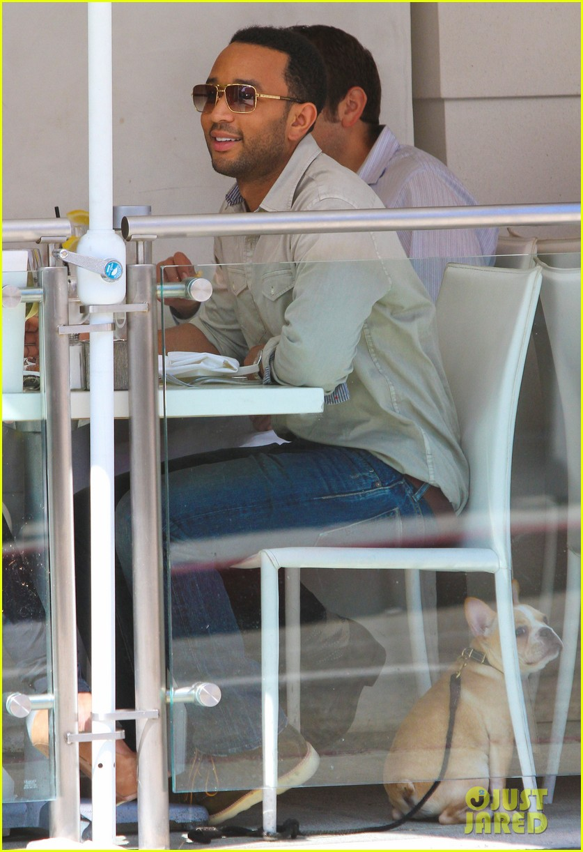 john legend chrissy teigen villa blanca lunch 082585758