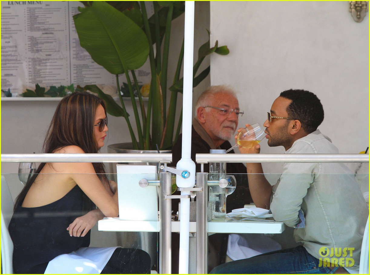 john legend chrissy teigen villa blanca lunch 102585760