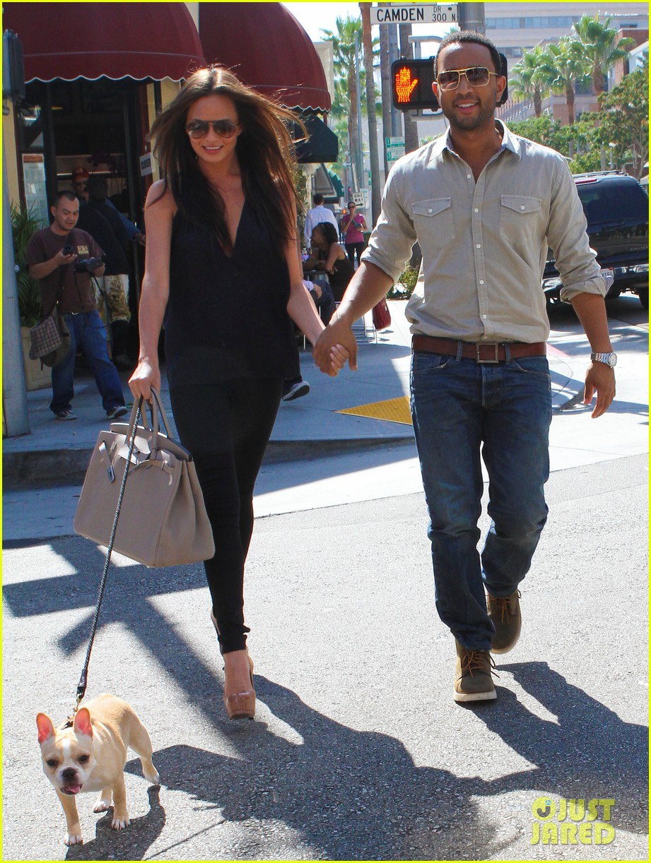 john legend chrissy teigen villa blanca lunch 19