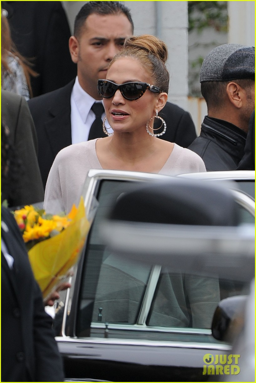jennifer lopez best buy maribel foundation 12