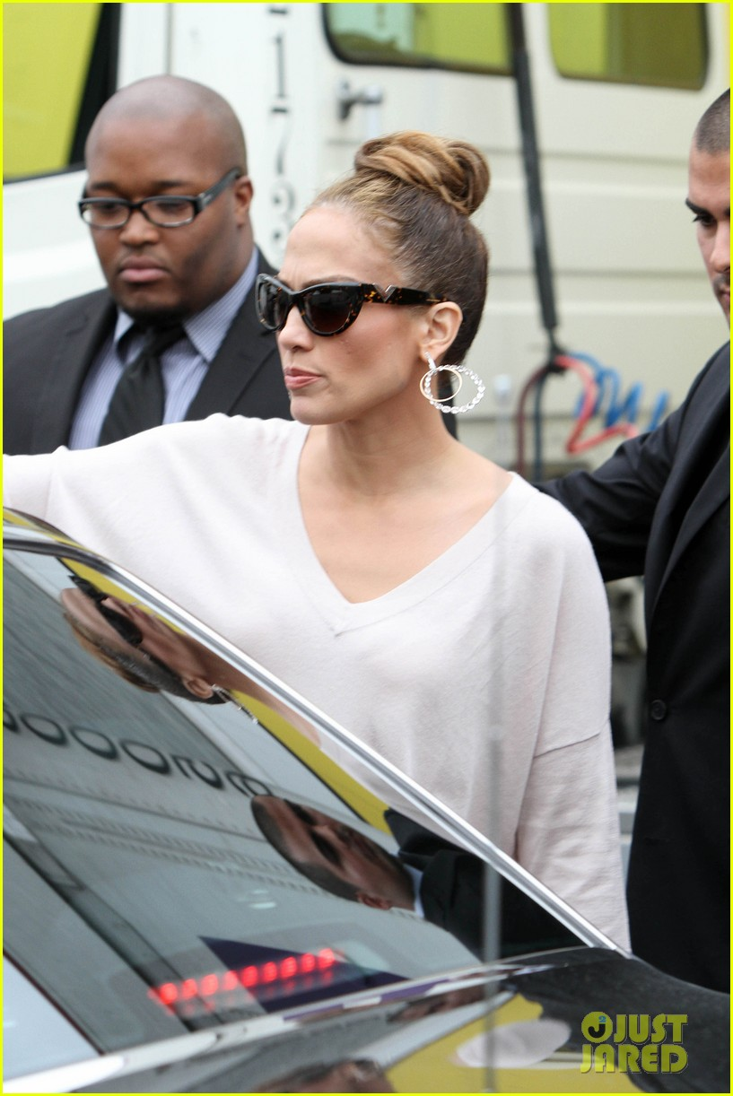 jennifer lopez best buy maribel foundation 14