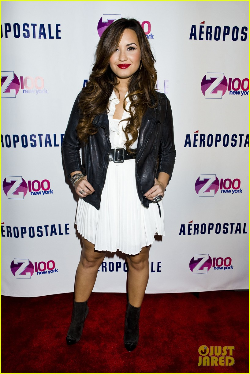 demi lovato jingle ball announcement 01