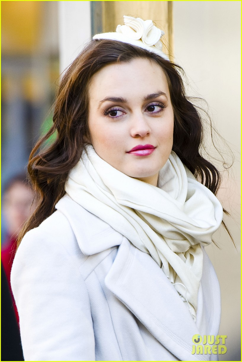 leighton meester white coat gossip set 07