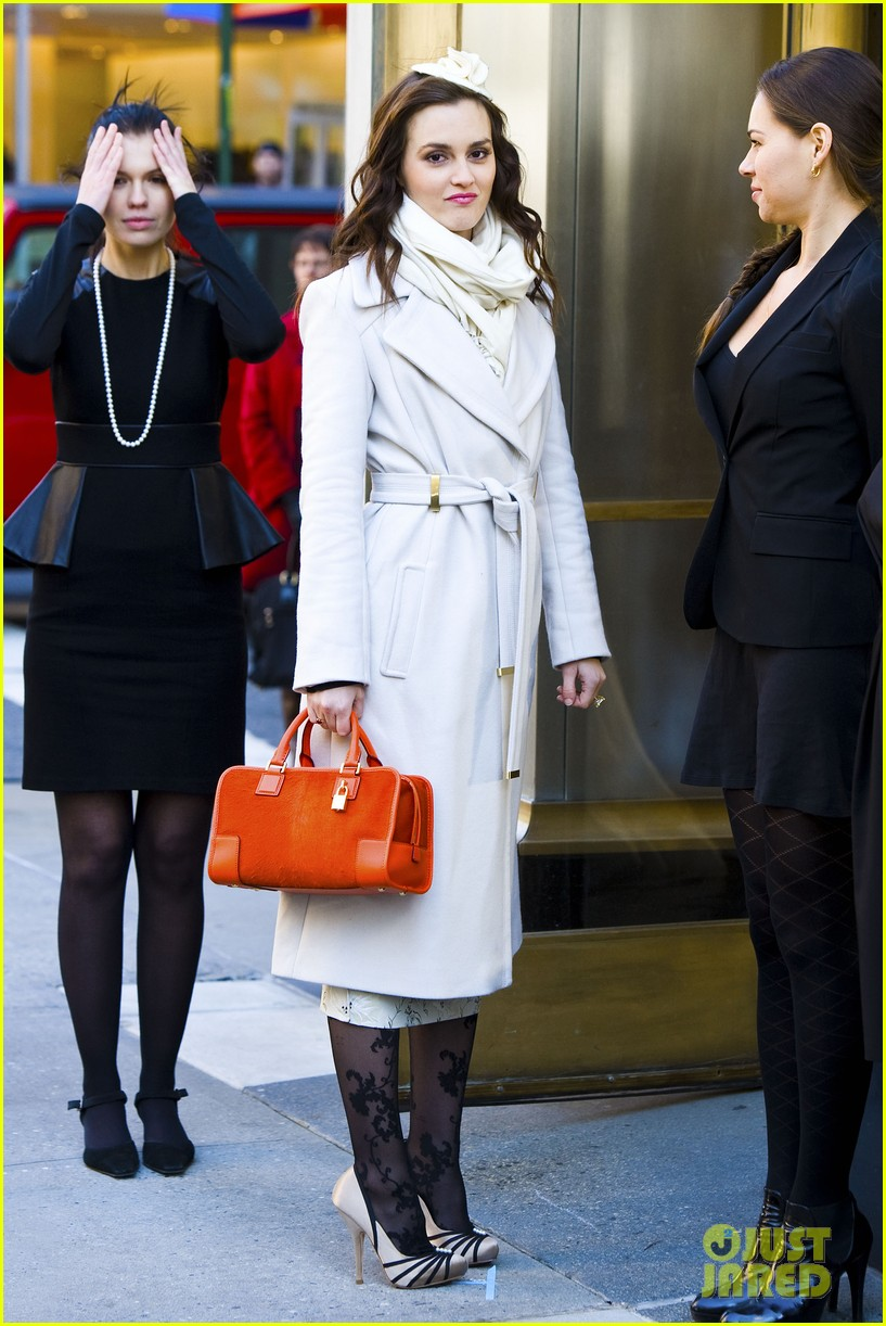 leighton meester white coat gossip set 08