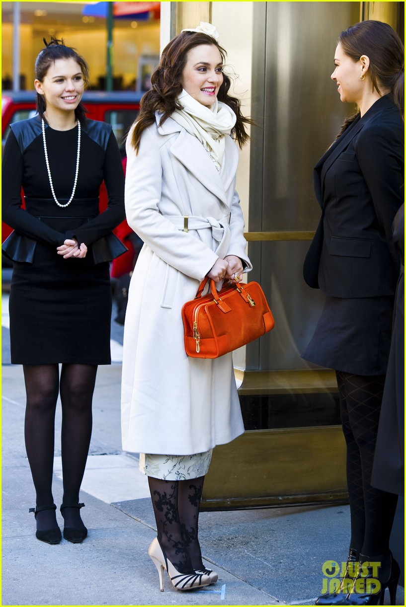 leighton meester white coat gossip set 13