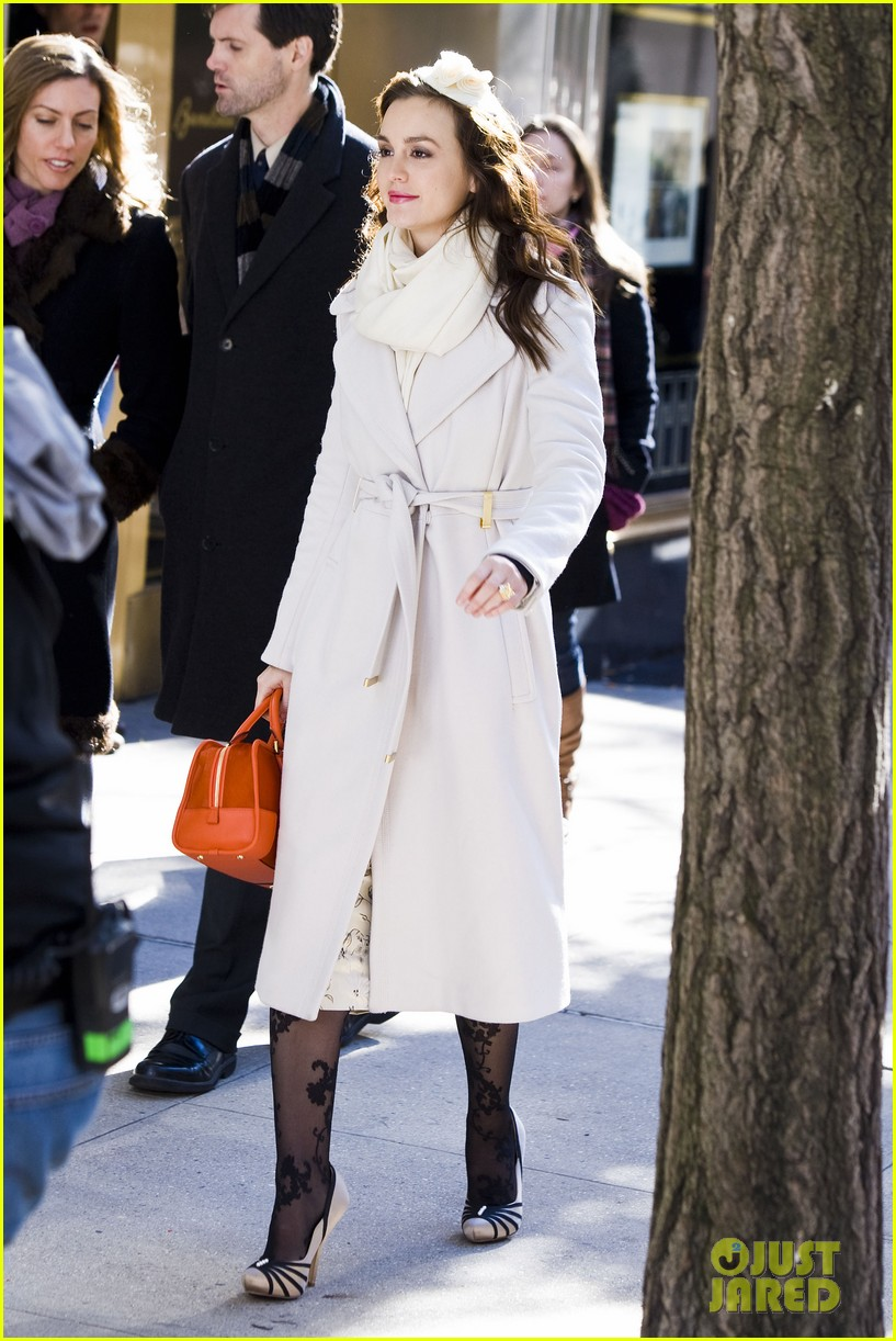 leighton meester white coat gossip set 17