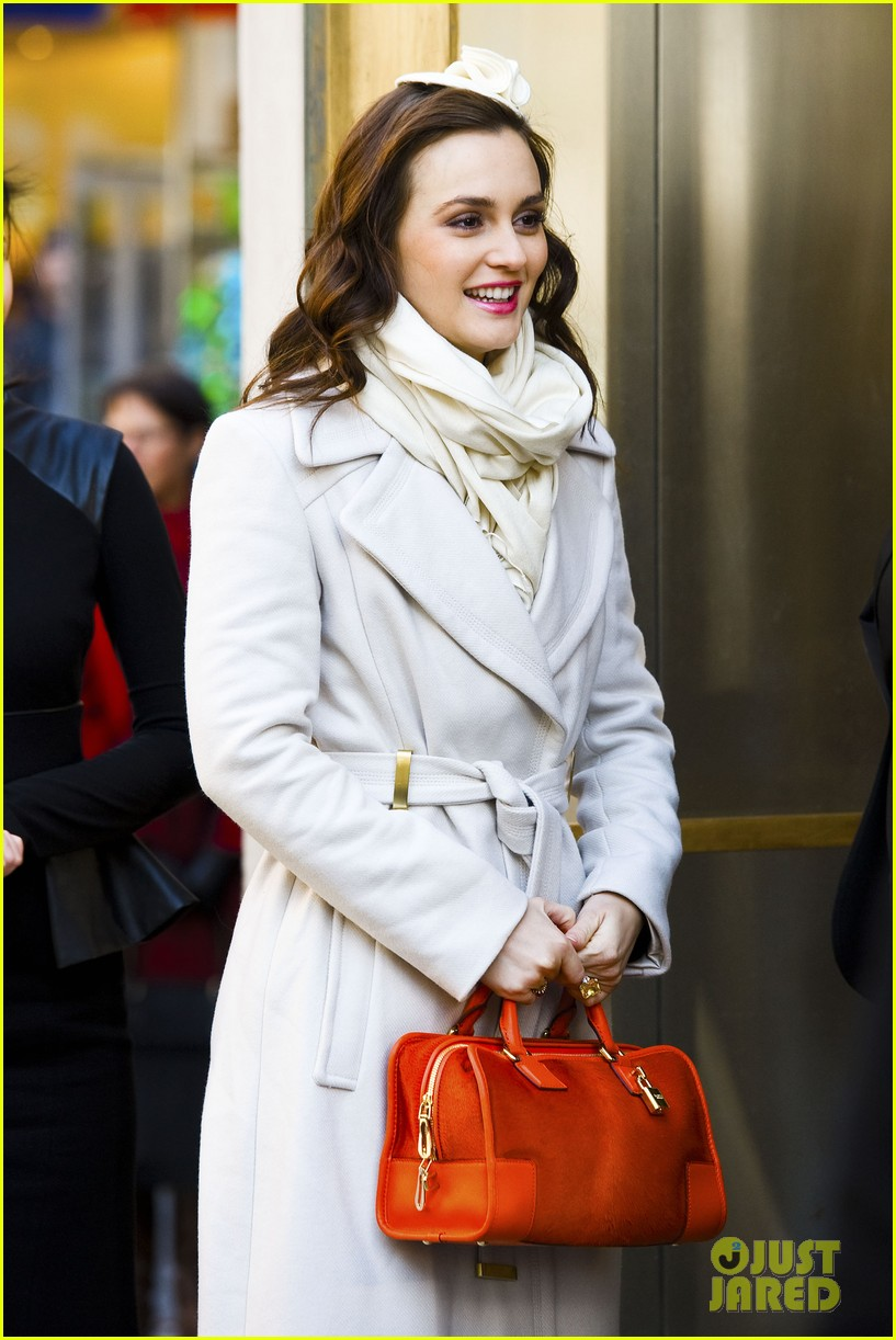 leighton meester white coat gossip set 25