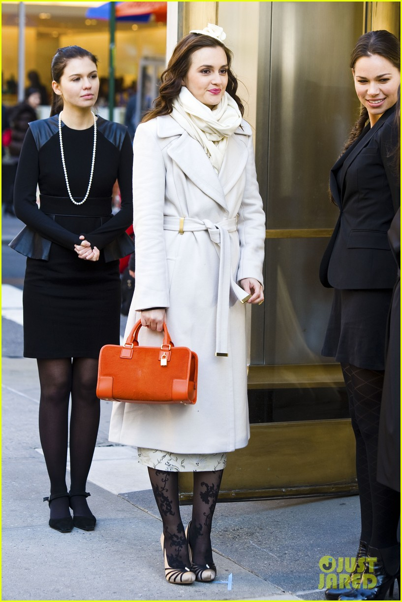 leighton meester white coat gossip set 27