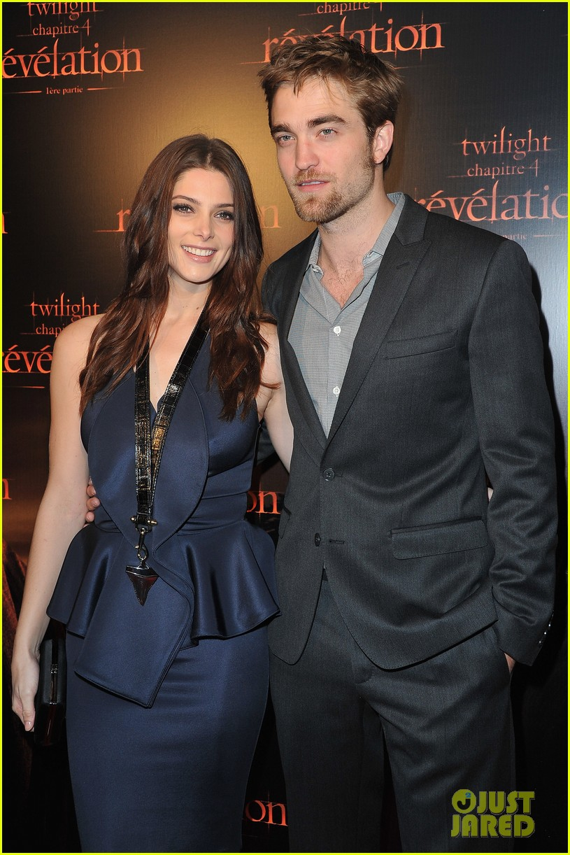 robert pattinson ashley greene twilight paris premiere 01
