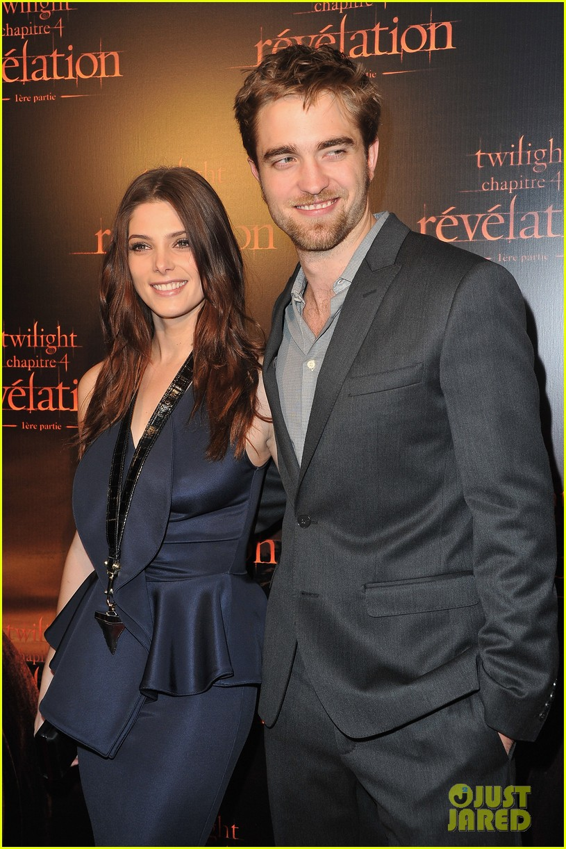 robert pattinson ashley greene twilight paris premiere 06