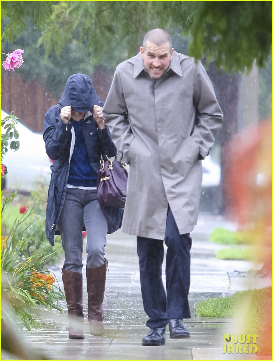reese witherspoon camila alves lunch date rain 092587273
