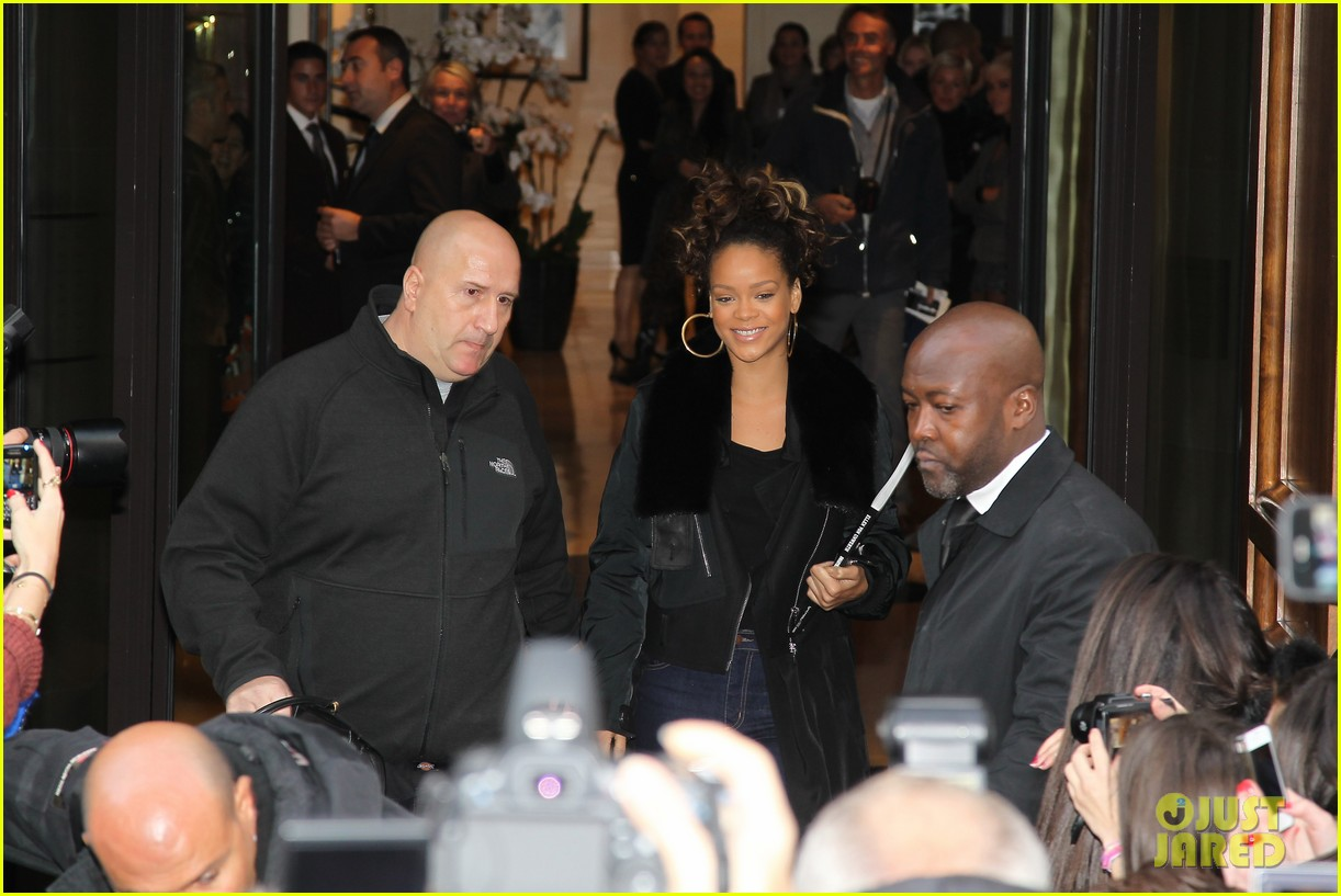 rihanna hotel to concert 01