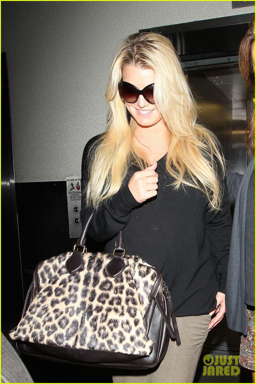 jessica simpson lax airport 03