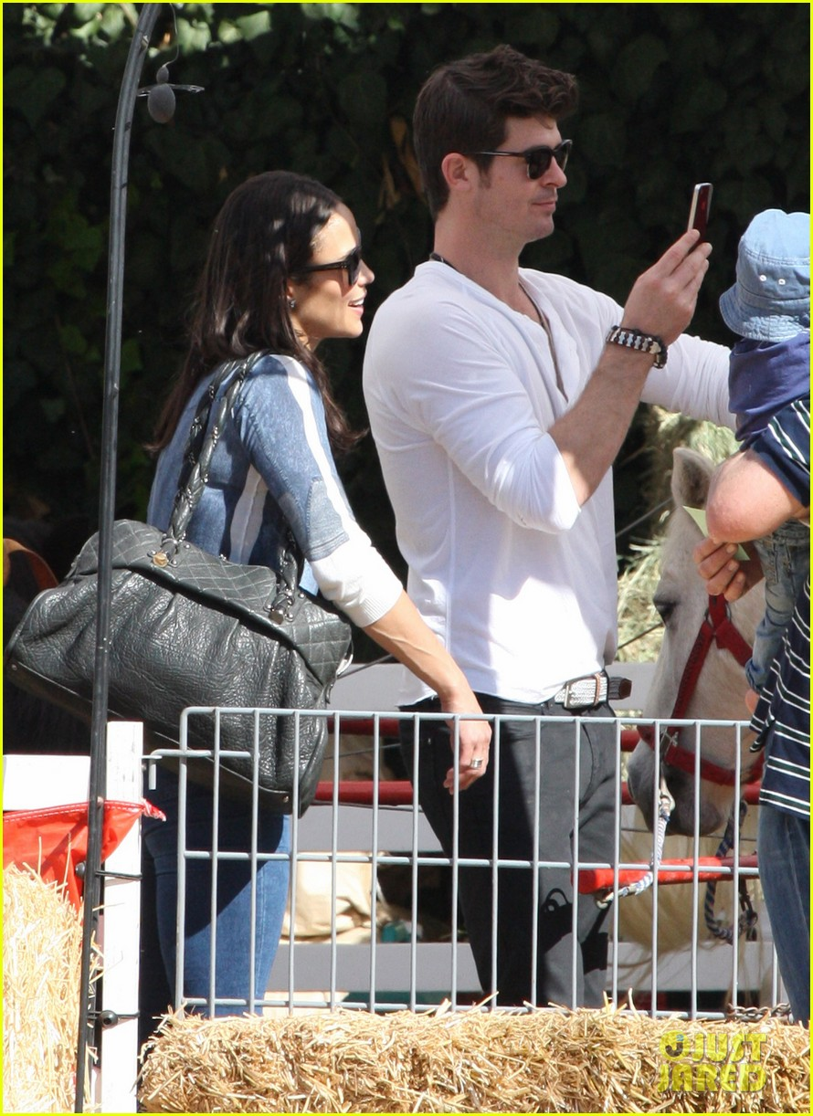 robin thicke paula patton pumpkin patch with julian 042588450