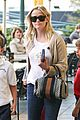 reese witherspoon runs errands with deacon 05