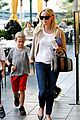 reese witherspoon runs errands with deacon 09