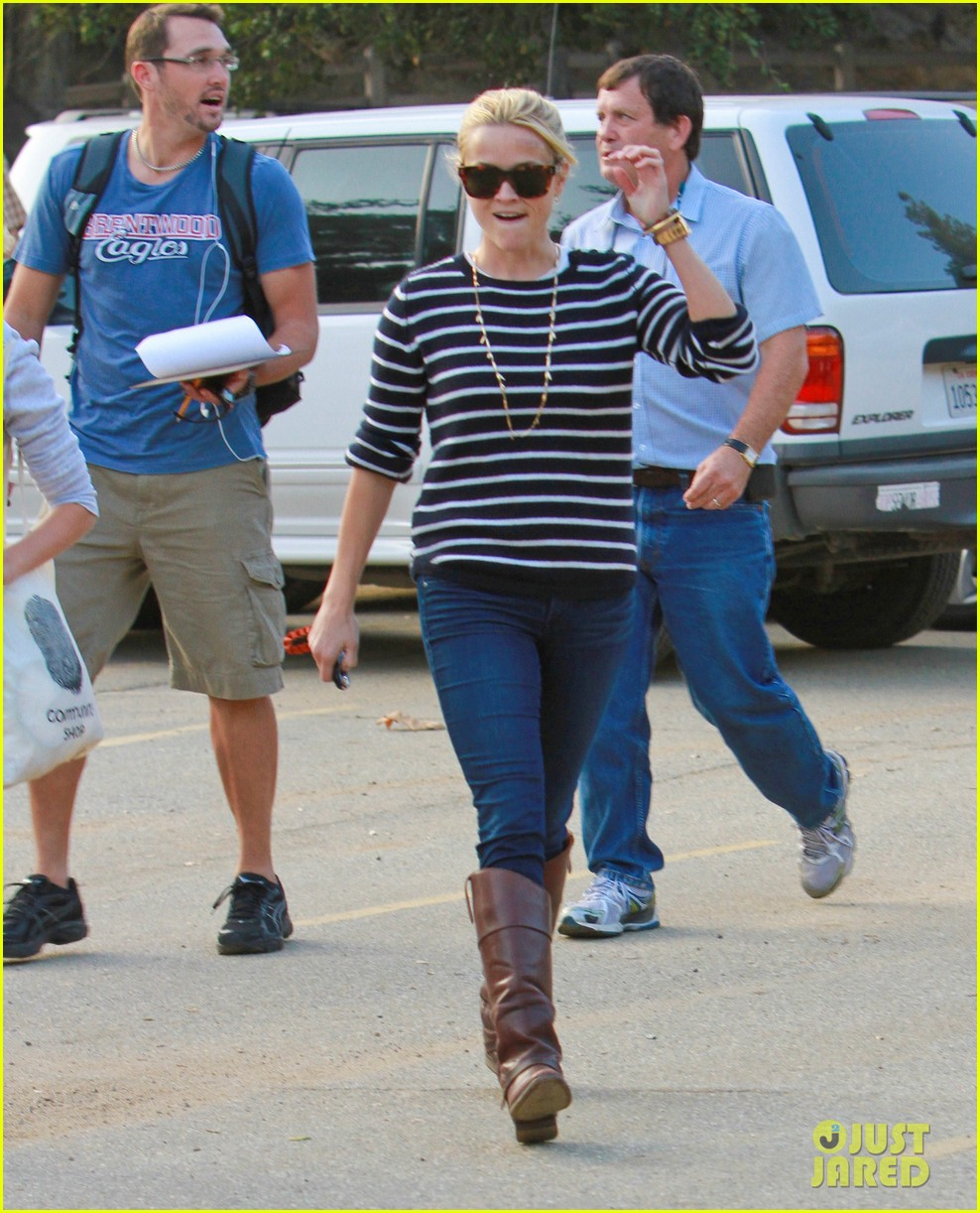 reese witherspoon ava griffith park 052591615