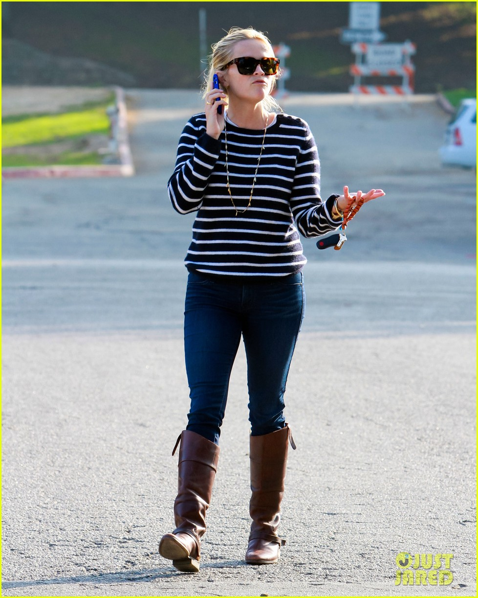 reese witherspoon ava griffith park 07