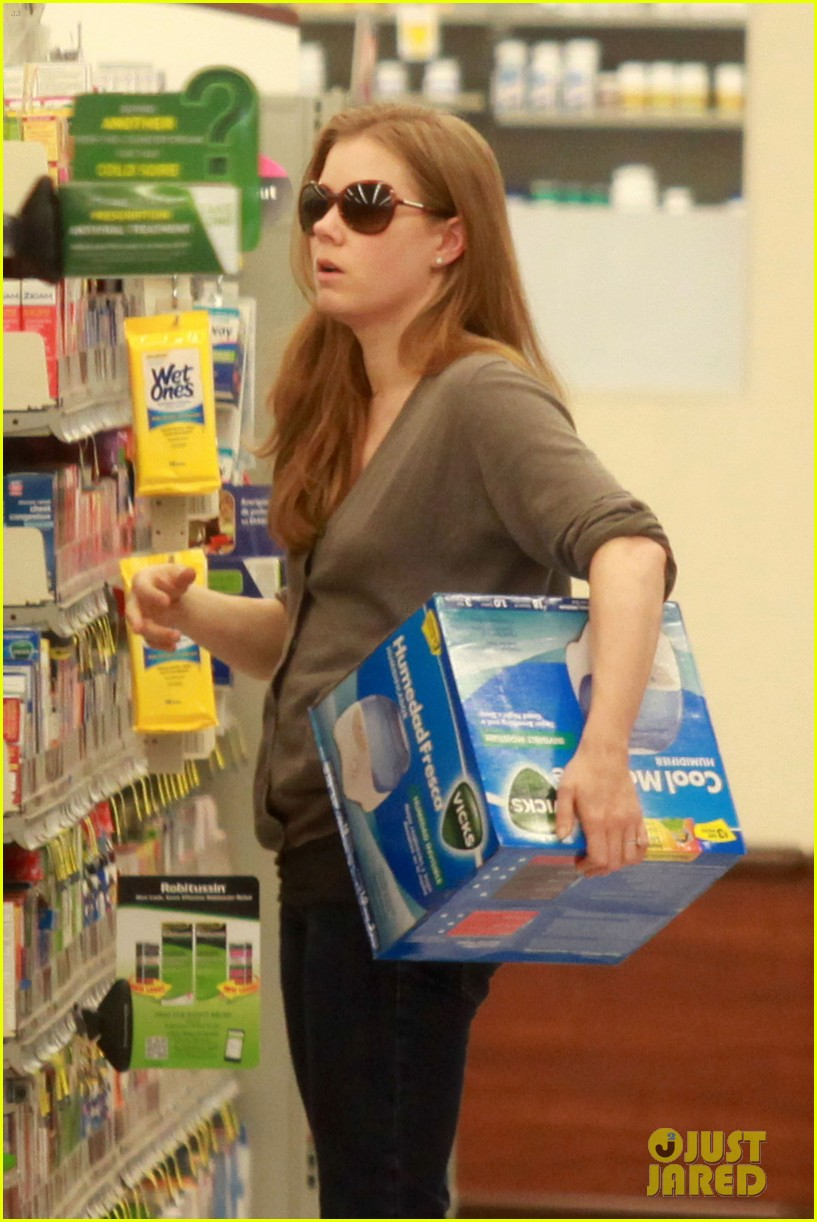 amy adams lunch errands with family 08
