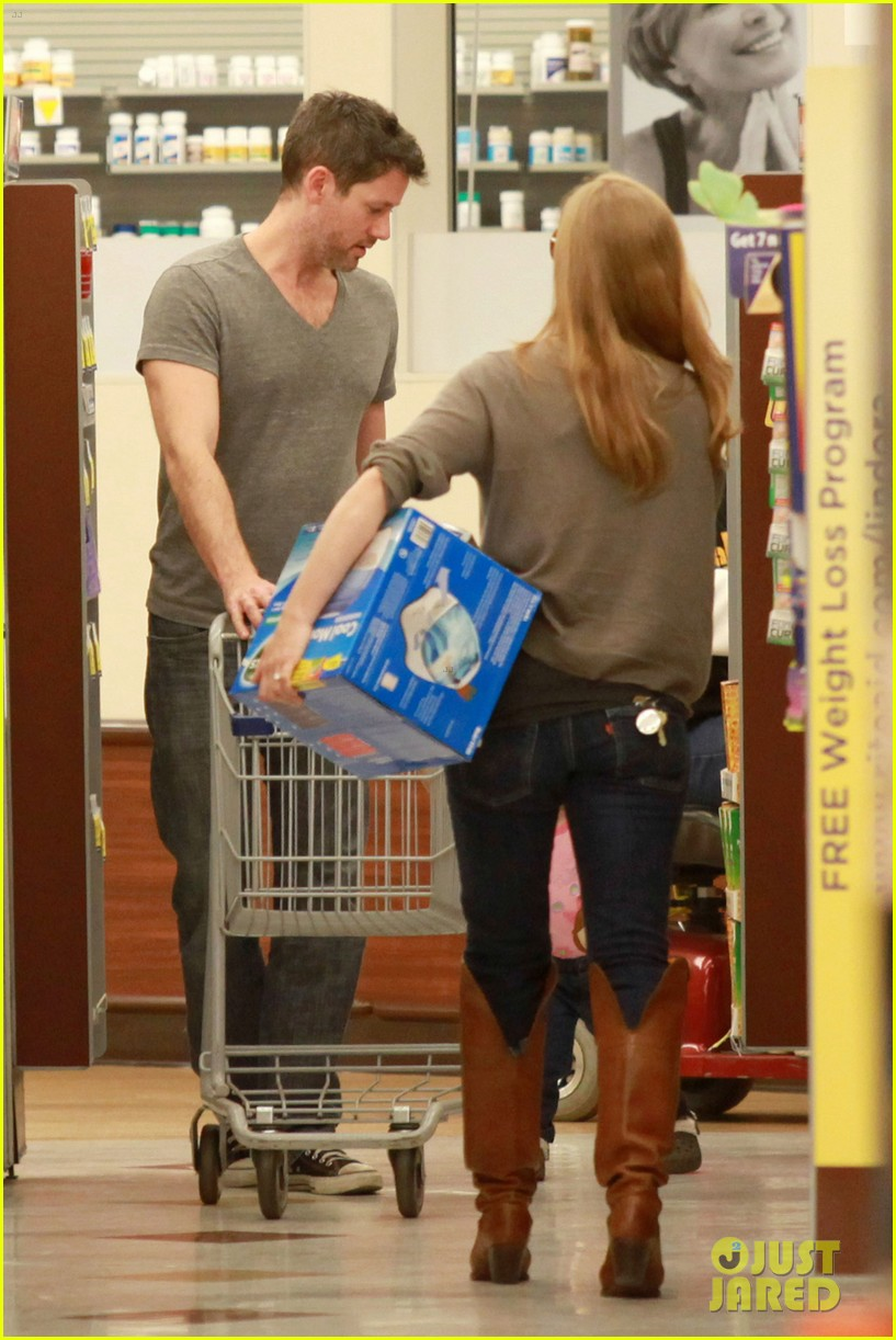 amy adams lunch errands with family 10