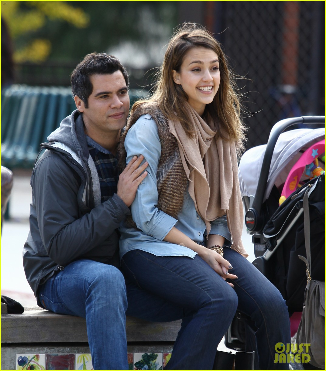 jessica alba park day family 01