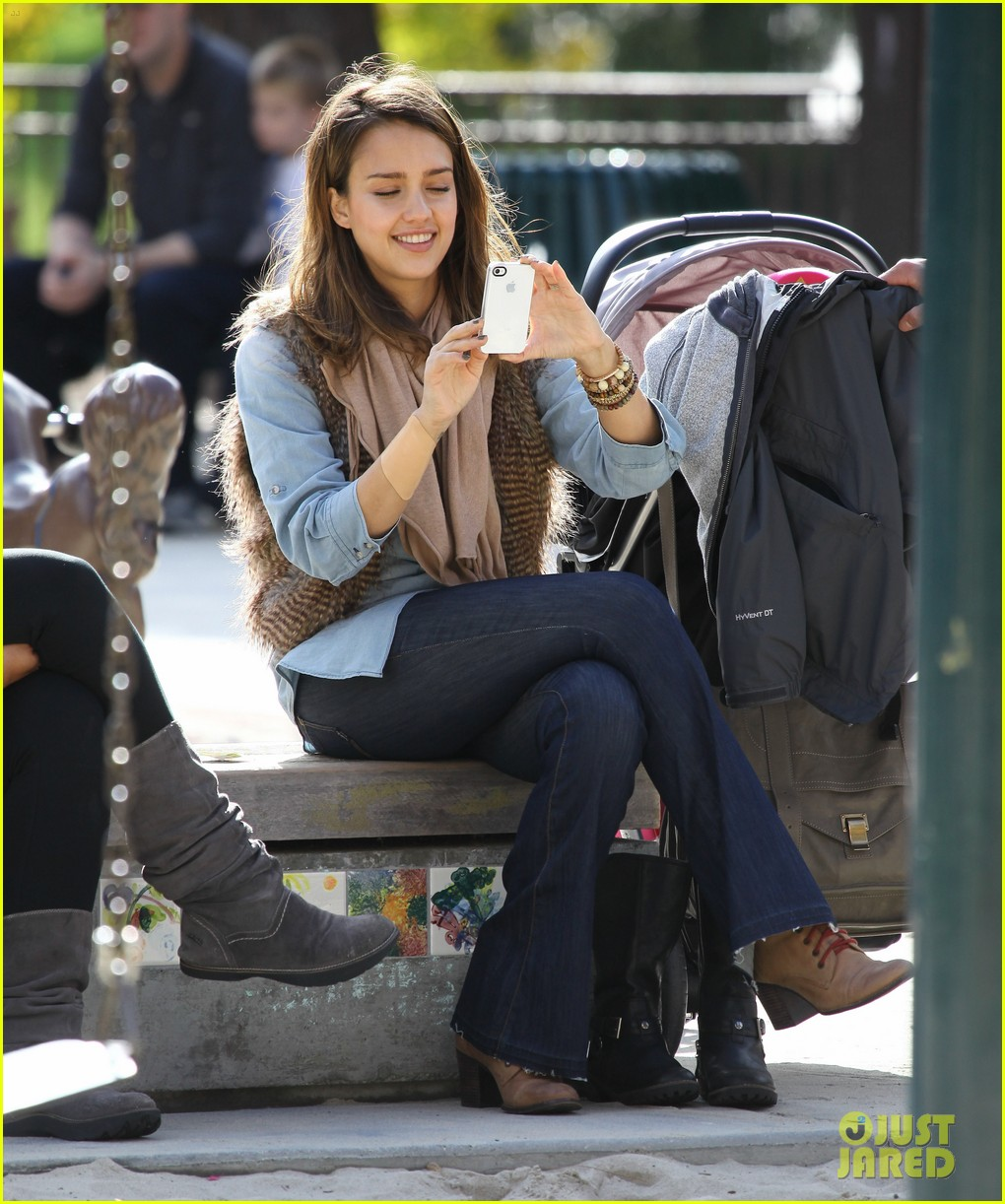 jessica alba park day family 03