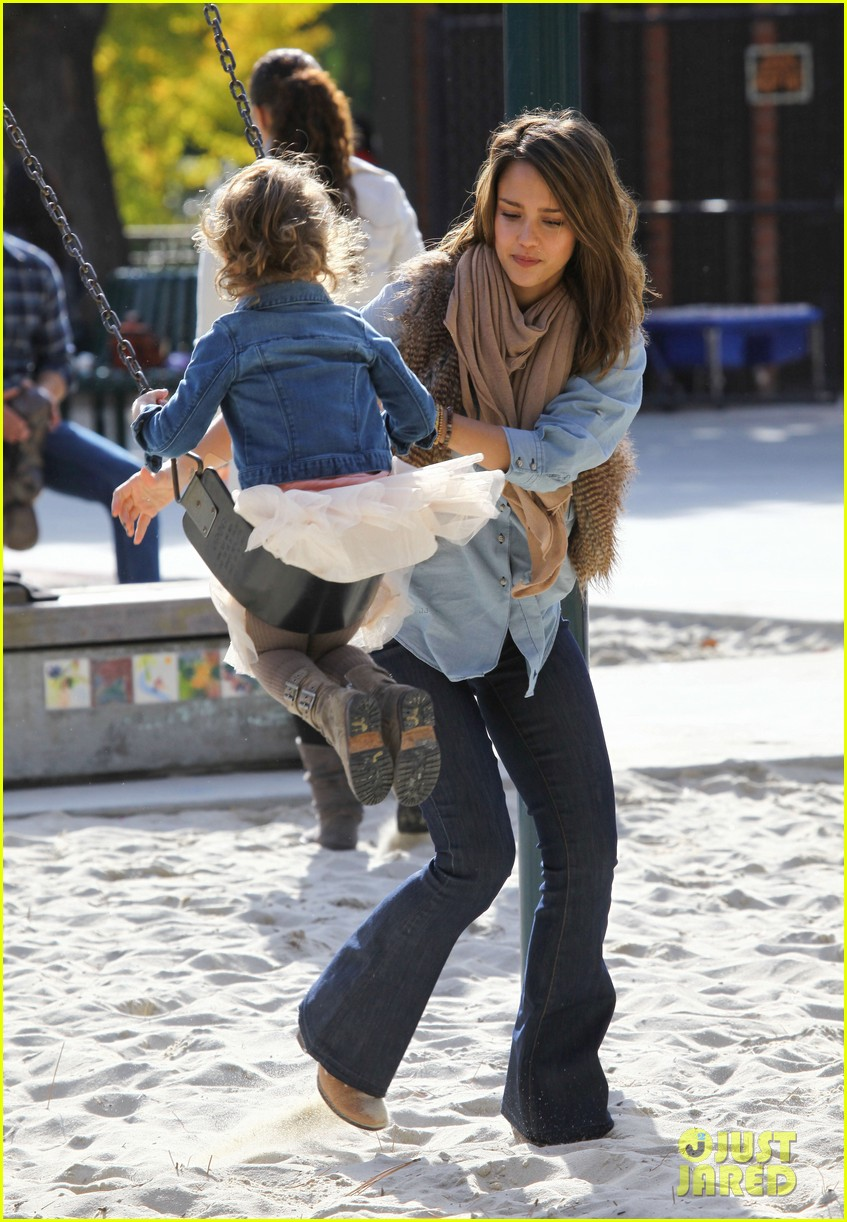 jessica alba park day family 12