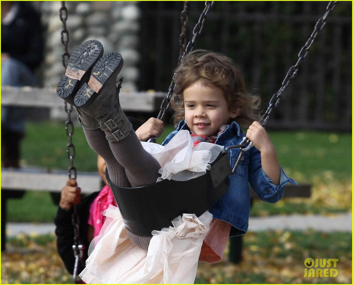 jessica alba park day family 21