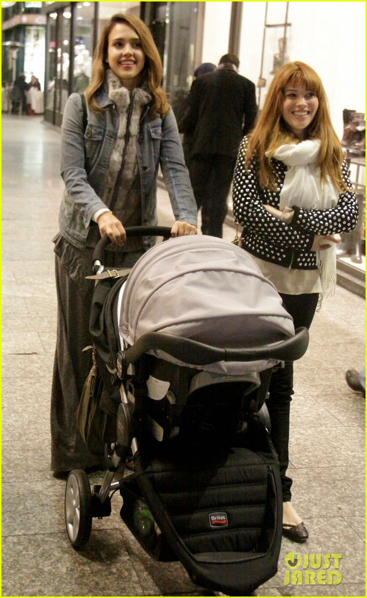 jessica alba haven milan mommy 12