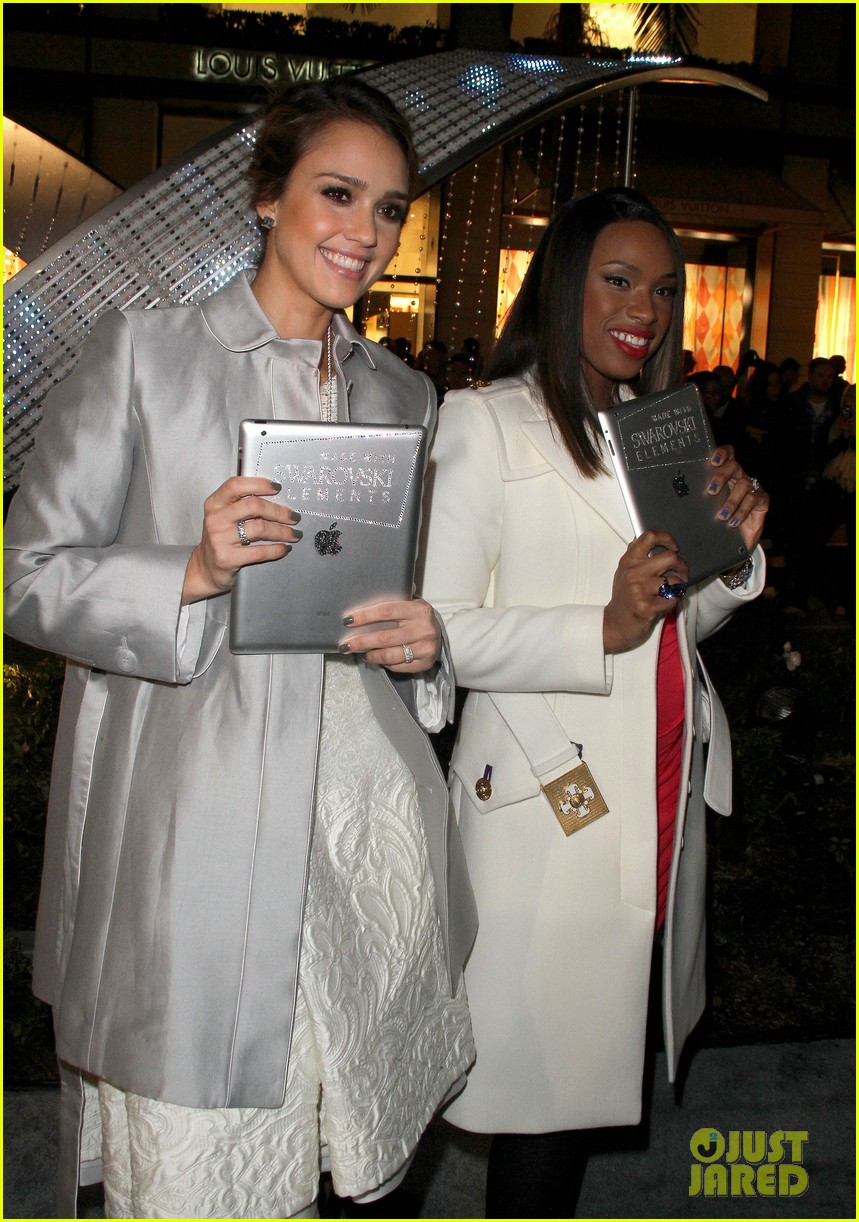 jessica alba christmas tree lighting jennifer hudson 032602902