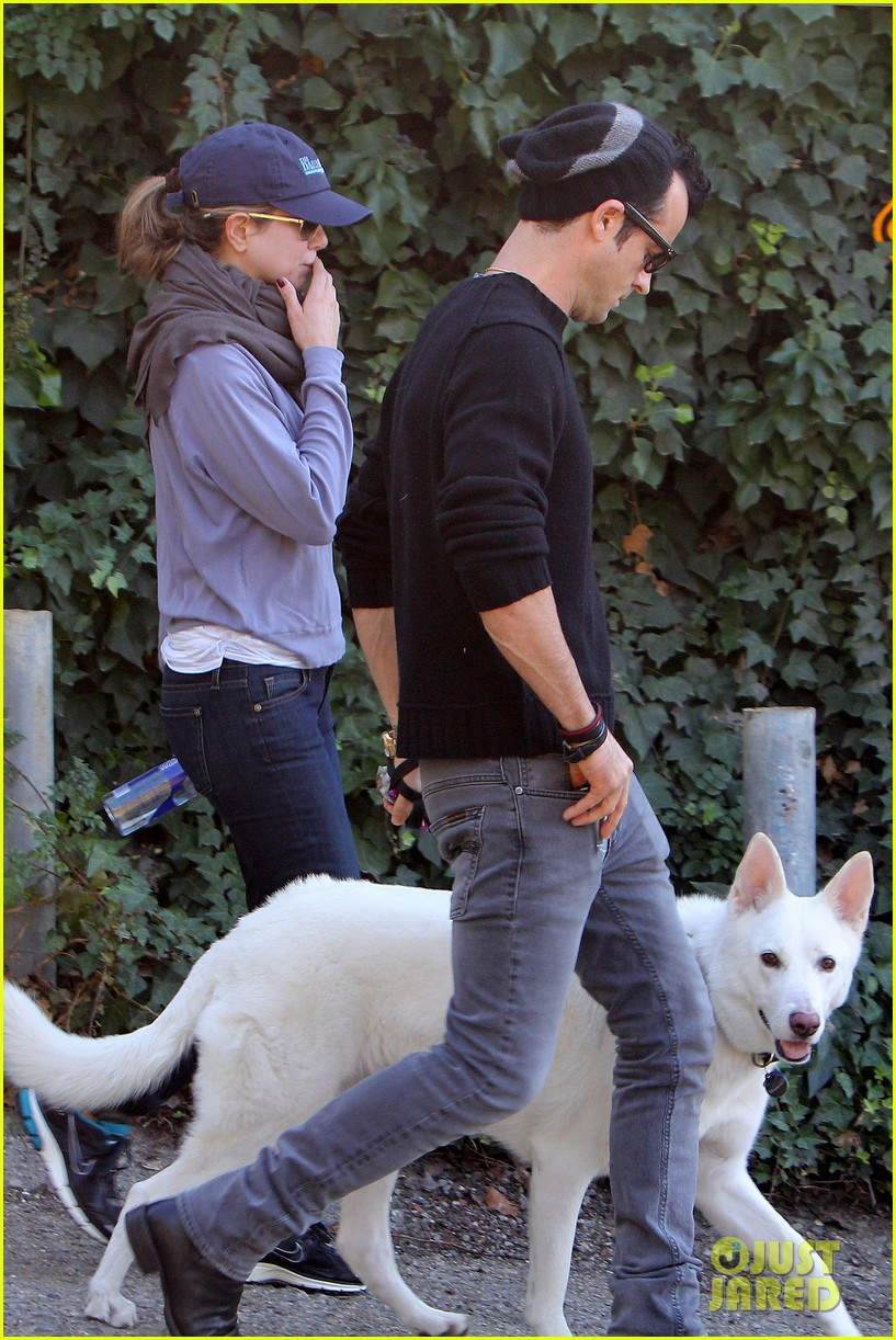 jennifer aniston justin theroux walk dolly 03