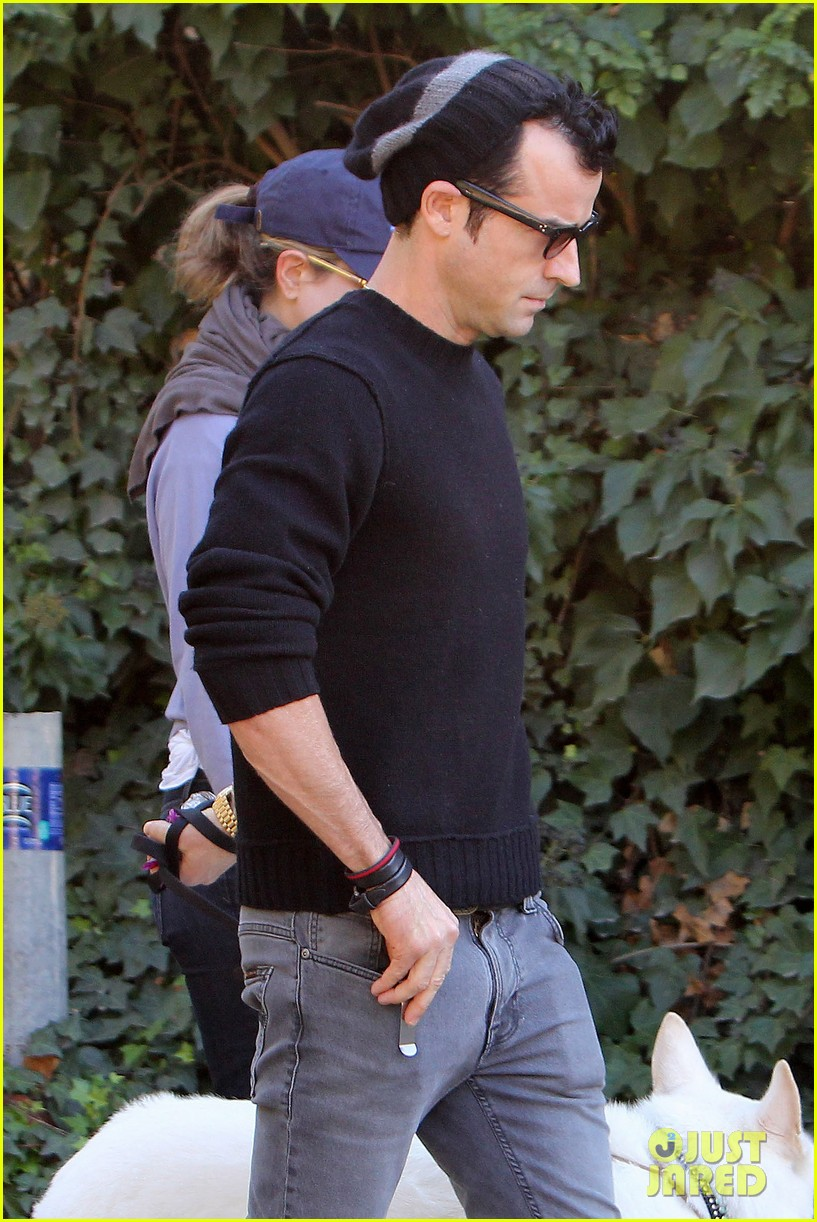 jennifer aniston justin theroux walk dolly 22