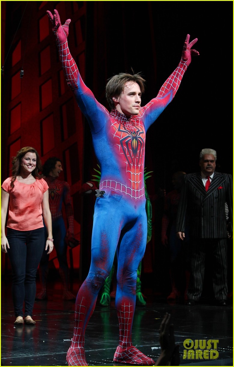 michael buble visits spiderman broadway 05
