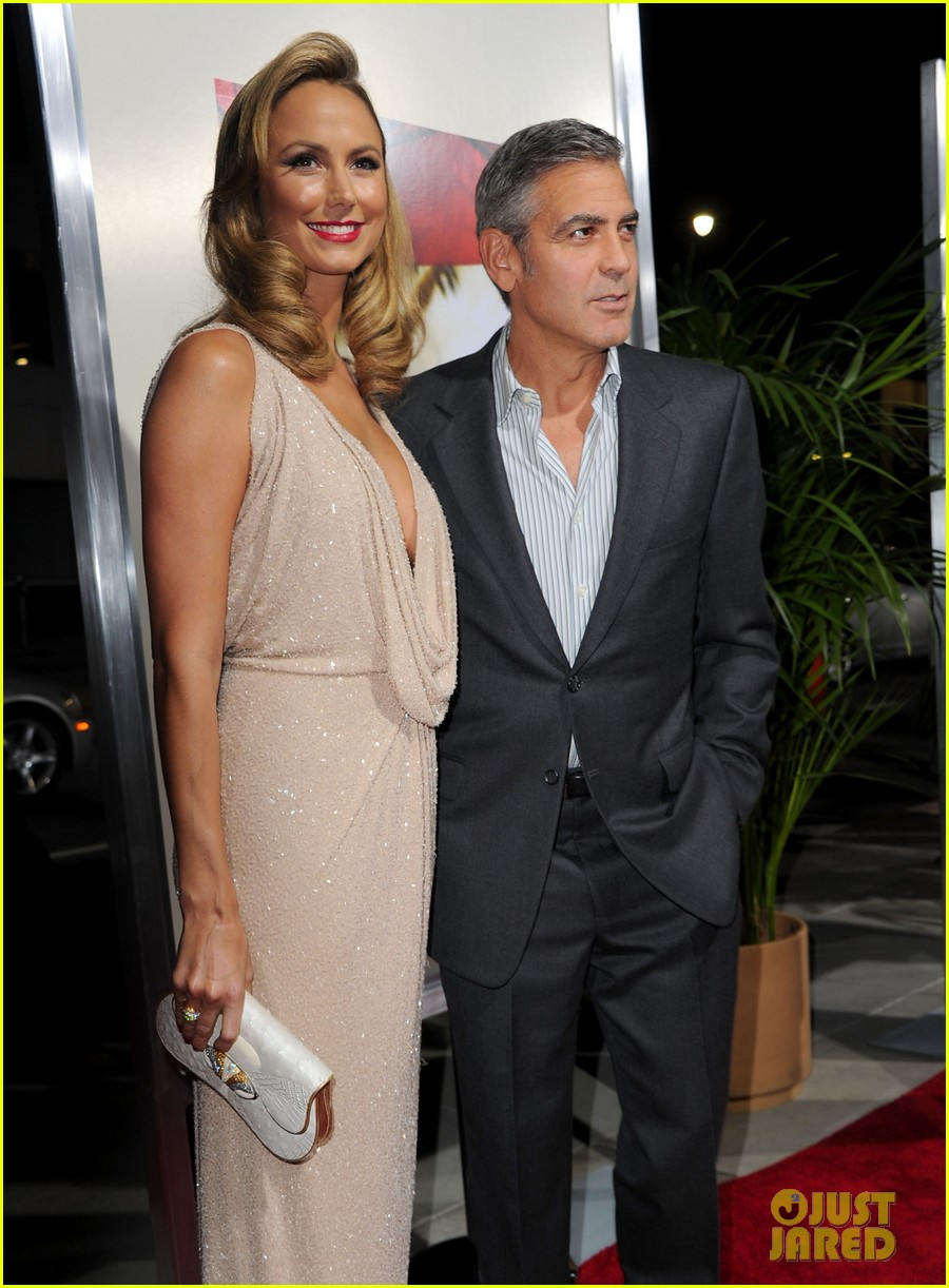 george clooney stacy keibler descendants la 01