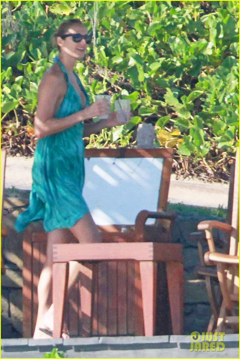 george clooney stacy keibler mexico vacation 032597521