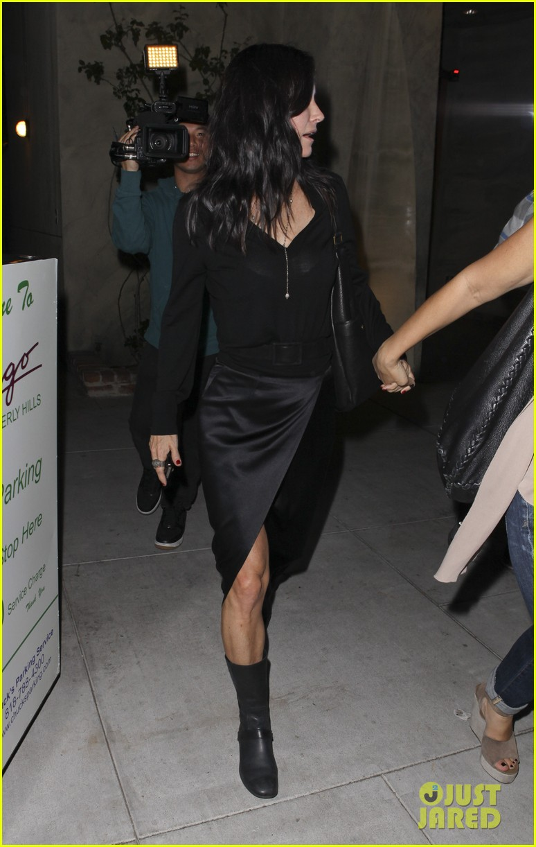 courteney cox out to dinner 02